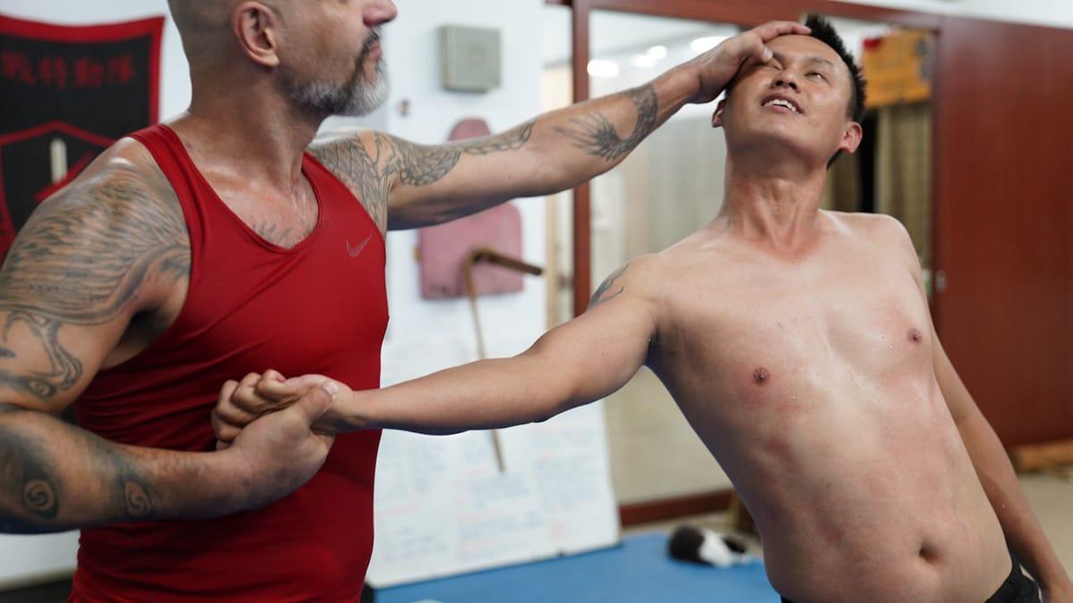 kung fu eye attack